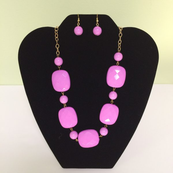 Fashion Necklace & Earring Pink & Square Beads Set 128on Gold Colored Chain Necklace & Earrings Set