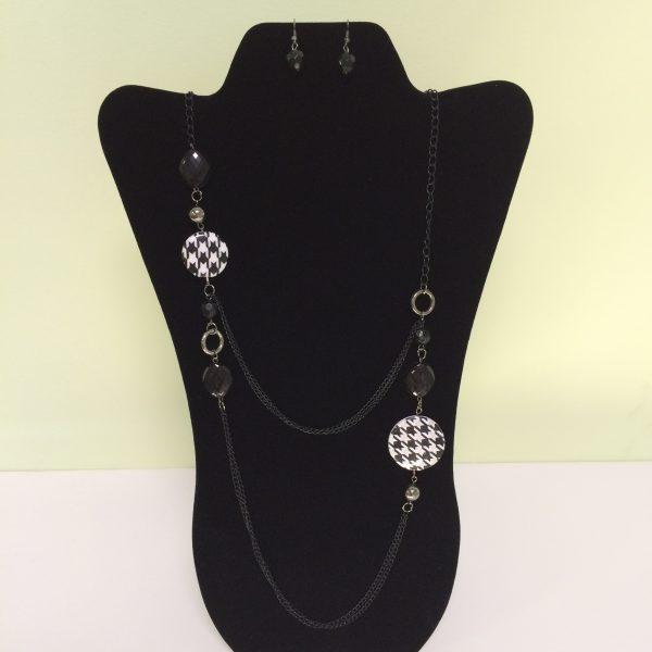 Fashion Necklace & Earring Black & White Set 139
