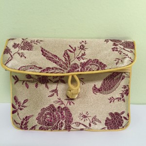 Chinese Soft Tie Clasp Coin Purse, Gold